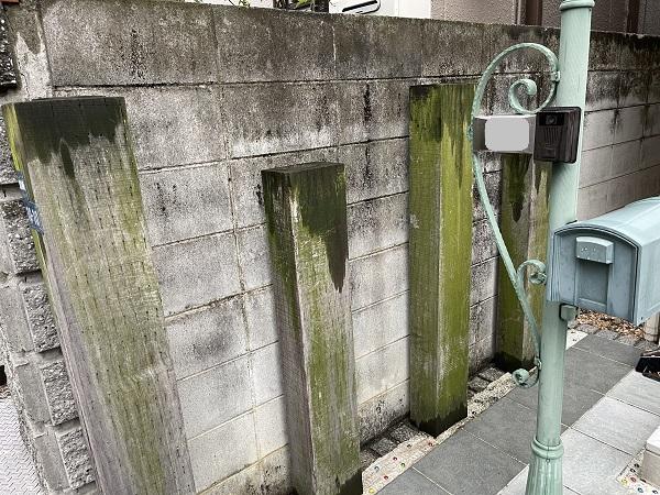 大阪府東大阪市 N様邸 屋根塗装・外壁塗装・付帯部塗装 無料現場調査② シーリング、軒天、外構の劣化症状 (7)