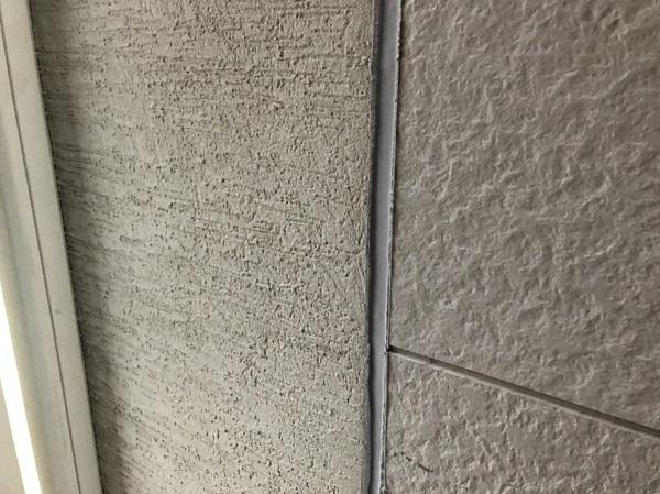 大阪府東大阪市 N様邸 屋根塗装・外壁塗装・付帯部塗装 シーリング工事① サイディングボードの継ぎ目 工程 (10)