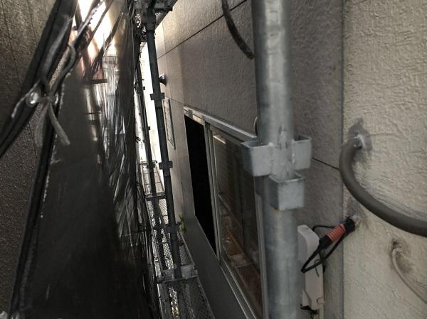 大阪府東大阪市 N様邸 屋根塗装・外壁塗装・付帯部塗装 シーリング工事① サイディングボードの継ぎ目 工程 (3)