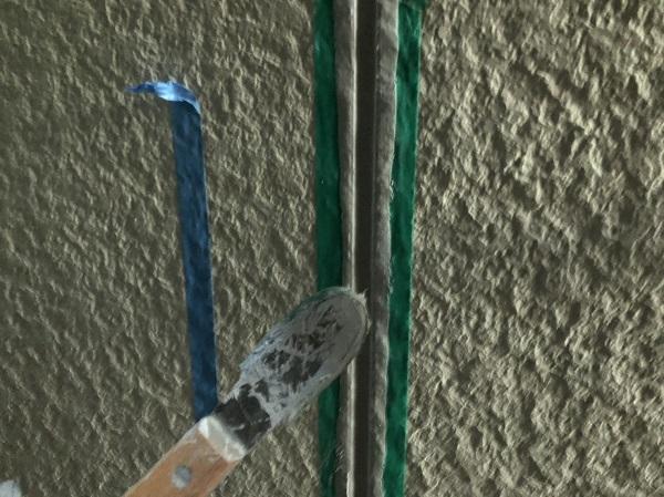 大阪府東大阪市 N様邸 屋根塗装・外壁塗装・付帯部塗装 シーリング工事① サイディングボードの継ぎ目 工程 (7)