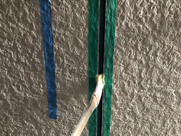 大阪府東大阪市 N様邸 屋根塗装・外壁塗装・付帯部塗装 シーリング工事① サイディングボードの継ぎ目 工程 (6)
