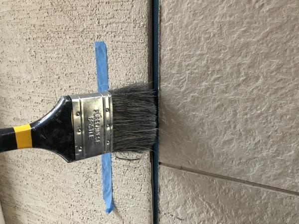 大阪府東大阪市 N様邸 屋根塗装・外壁塗装・付帯部塗装 シーリング工事① サイディングボードの継ぎ目 工程 (12)