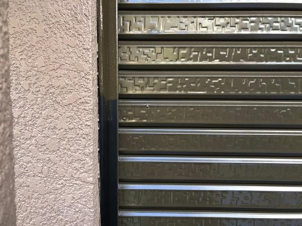 大阪府東大阪市 屋根塗装・外壁塗装 付帯部塗装 車庫のシャッター塗装 (2)