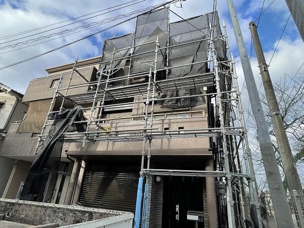 大阪府東大阪市 屋根塗装・外壁塗装・付帯部塗装 外壁中塗り・上塗り 日本ペイント ファイン4Fセラミック (2)