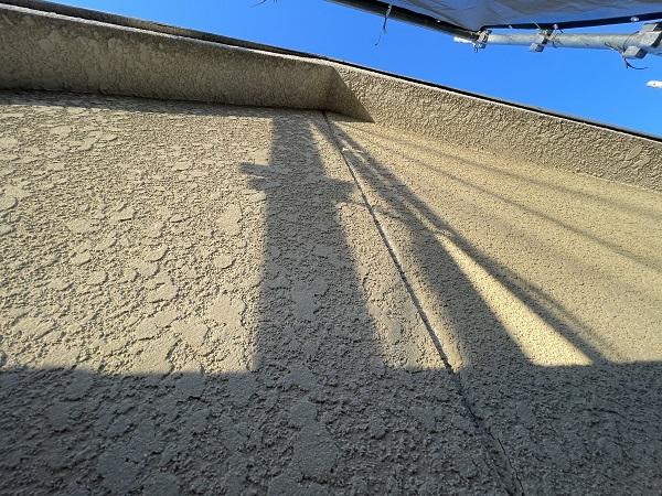 大阪府東大阪市 屋根塗装・外壁塗装 施工前の状態(外壁) 汚れの原因とは ひび割れ (19)大阪府東大阪市 屋根塗装・外壁塗装 施工前の状態(外壁) 汚れの原因とは ひび割れ (19)