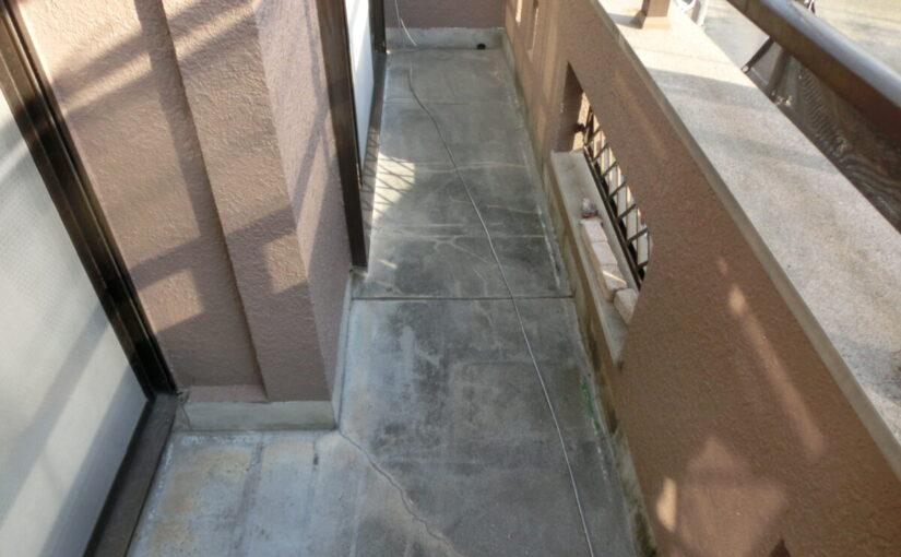 大阪府東大阪市 屋根カバー工法・外壁塗装・付帯部塗装 ベランダ防水工事 施工前の状態 (2)