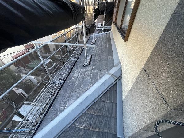 大阪府東大阪市 屋根塗装・外壁塗装 施工前の状態(外壁) 汚れの原因とは ひび割れ (12)