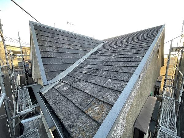 大阪府東大阪市 屋根塗装・外壁塗装 施工前の状態(外壁) 汚れの原因とは ひび割れ (3)