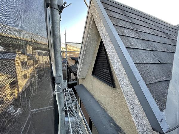 大阪府東大阪市 屋根塗装・外壁塗装 施工前の状態(外壁) 汚れの原因とは ひび割れ (14)