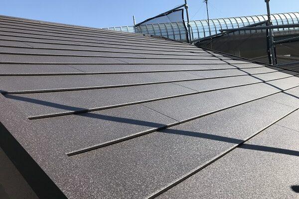 大阪府東大阪市 屋根カバー工法・外壁塗装・付帯部塗装 屋根カバー工法とは ガルバリウム鋼板 (3)