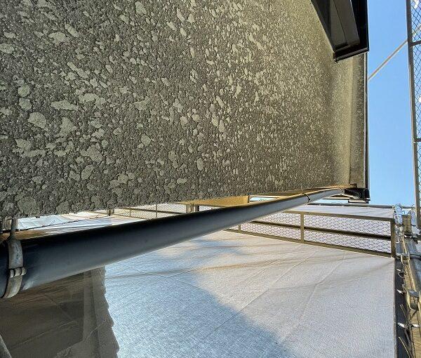 大阪府東大阪市 屋根塗装・外壁塗装 施工前の状態(外壁) 汚れの原因とは ひび割れ (8)