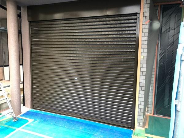 大阪府東大阪市 屋根塗装・外壁塗装 付帯部塗装 車庫のシャッター塗装 (3)