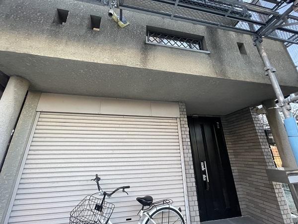 大阪府東大阪市 屋根塗装・外壁塗装 施工前の状態(外壁) 汚れの原因とは ひび割れ (11)