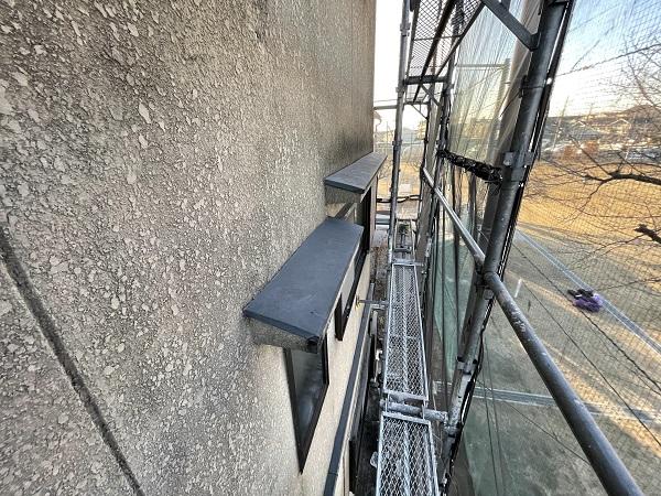 大阪府東大阪市 屋根塗装・外壁塗装 施工前の状態(外壁) 汚れの原因とは ひび割れ (6)