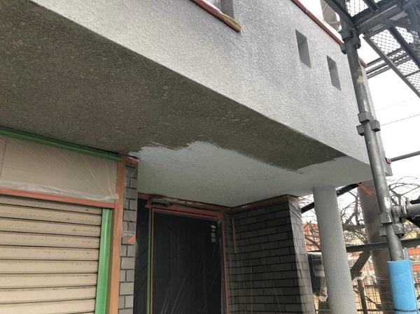 大阪府東大阪市 屋根塗装・外壁塗装・付帯部塗装 外壁下塗り 日本ペイント アンダーフィラー弾性エクセル (2)