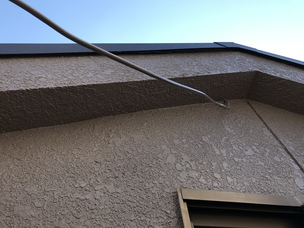 大阪府東大阪市 屋根塗装・外壁塗装・付帯部塗装 外壁中塗り・上塗り 日本ペイント ファイン4Fセラミック (5)